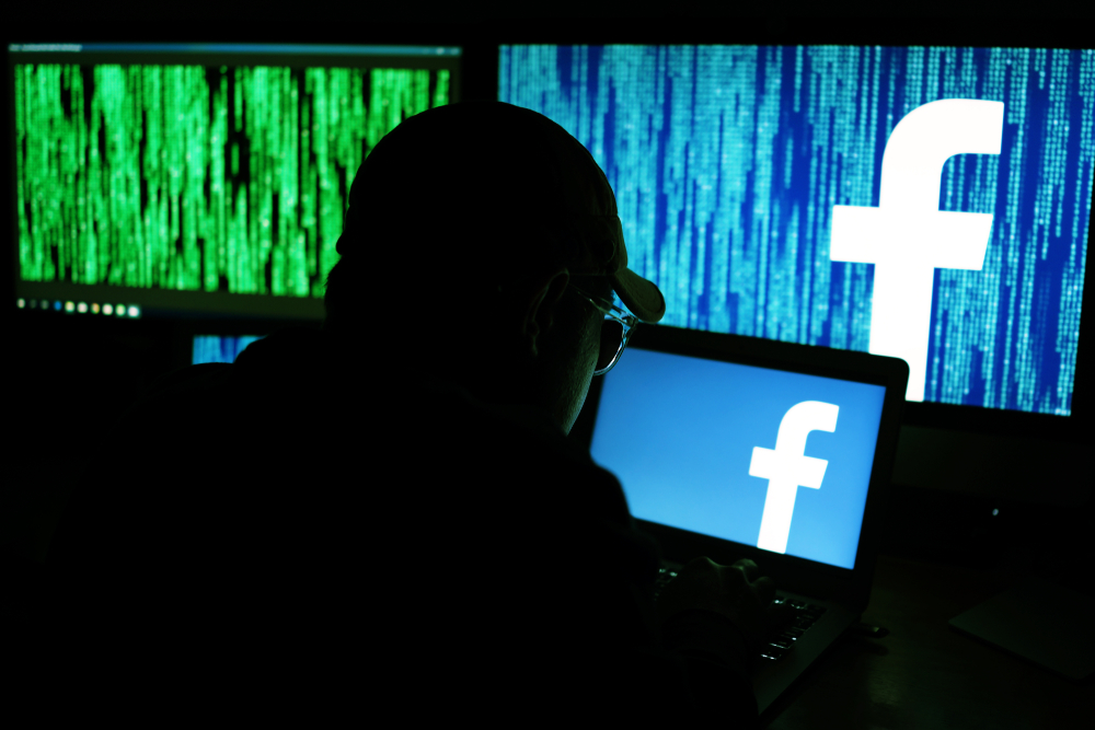 ITRC_SS_facebook-hacker_1202543209 Recent Social Media Hacks are Proving Just How Dangerous They Are