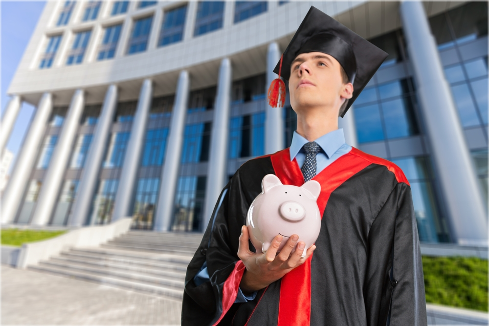 shutterstock_308065484 It's Student Loan Scam Season – Here's What to Look Out For