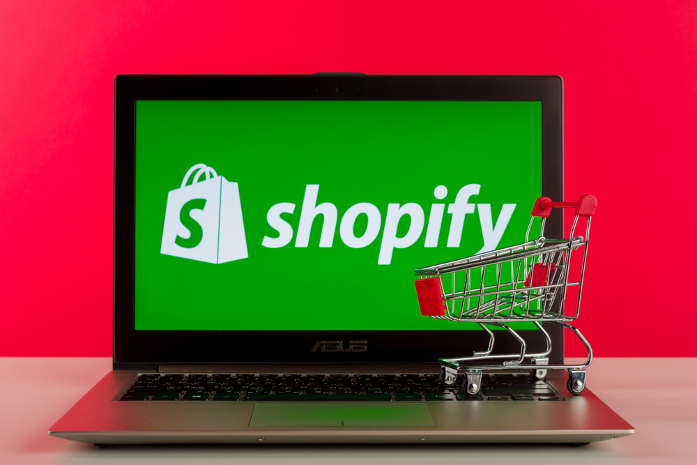 itrc_ss_shopify-breach_1481497166 Shopify Data Exposure Affects Hundreds of Online Businesses
